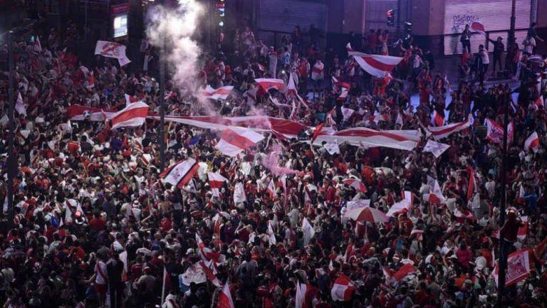 Fans de River Plate celebran victoria del club
