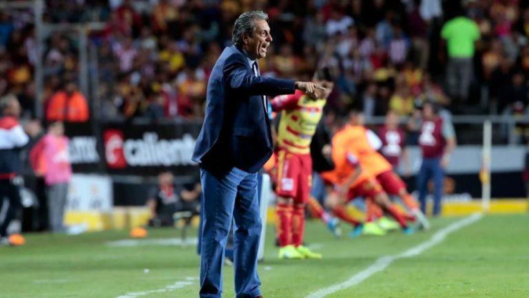 Tomás Boy en el partido contra Morelia