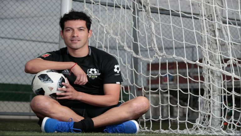Julio Espinoza posa para la lente de RÉCORD