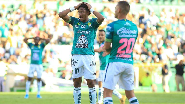 León se lamenta tras el empate ante los Tiburones