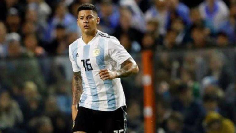 Marcos Rojo en un juego con la selección de Argentina