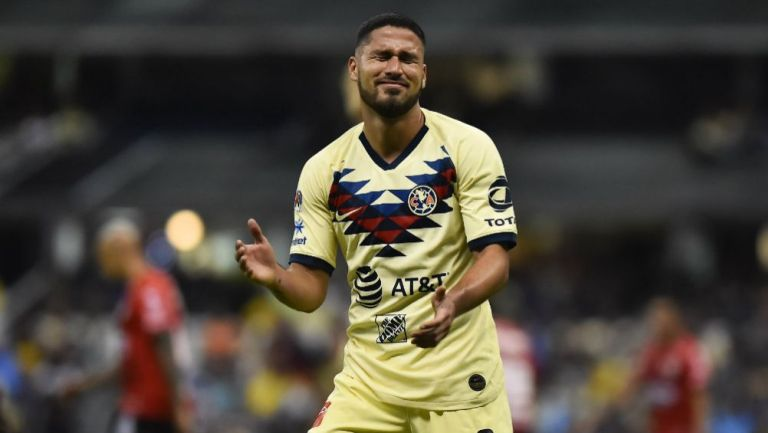 Bruno Valdez se lamenta en un juego del América en el A2019
