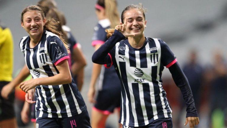 Aylin Aviléz festeja un gol