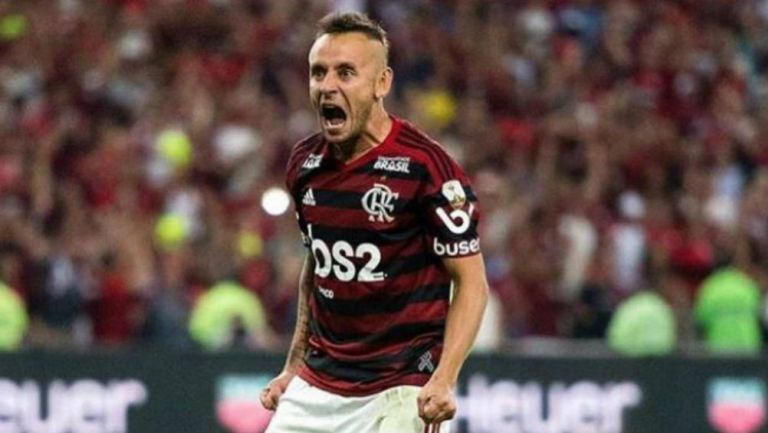 Rafinha lanza un grito en un juego de Flamengo