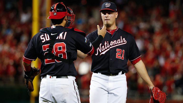Jugadores de Washington festejan el triunfo