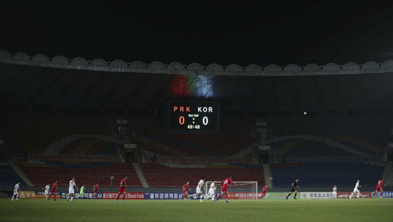 El estadio Kim Il-sung estuvo vacío durante el partido