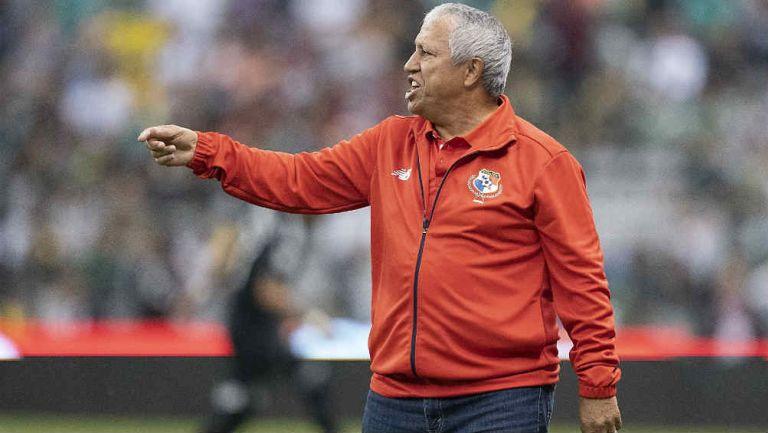 Américo Gallego, durante el juego de Panamá contra México