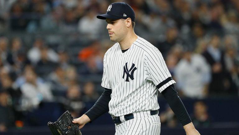 Adam Ottavino sale del juego 3 entre Yankees y Astros