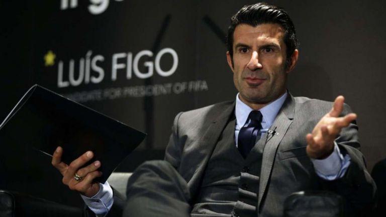 Luis Figo, en una conferencia de prensa