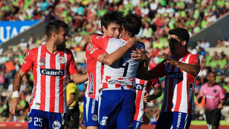 San Luis contra Querétaro termina en bronca y con invasión de cancha