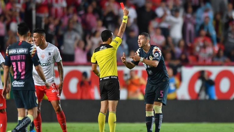 Guido Rodríguez vio la tarjeta roja en el duelo de América vs Necaxa