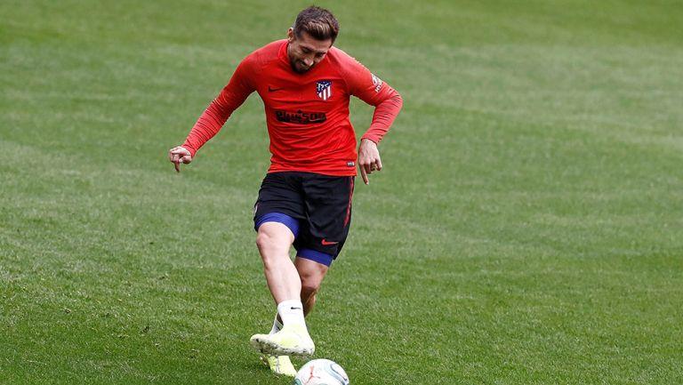 Héctor Herrera entrenando con el Atlético de Madrid