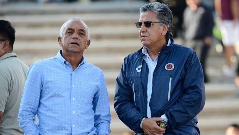 López Zarza y Arias están al frente de los Tiburones Rojos
