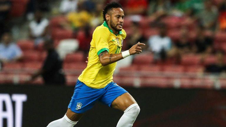 Neymar, en un juego con la selección de Brasil