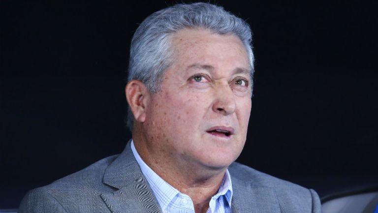 Víctor Manuel Vucetich no habría llegado a Chivas por su edad