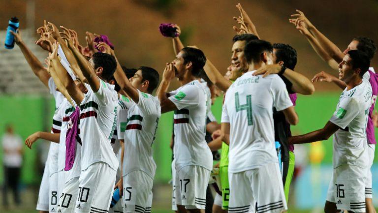 Jugadores del Tri Sub 17 celebran la victoria ante Corea del Sur