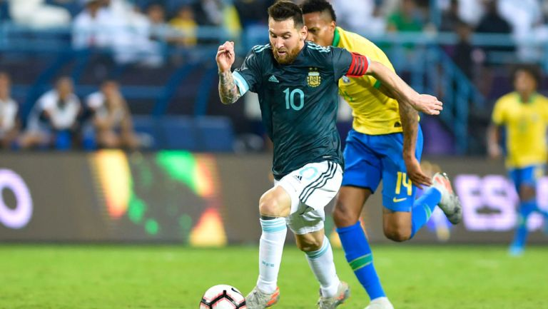 Lionel Messi durante el duelo ante Brasil