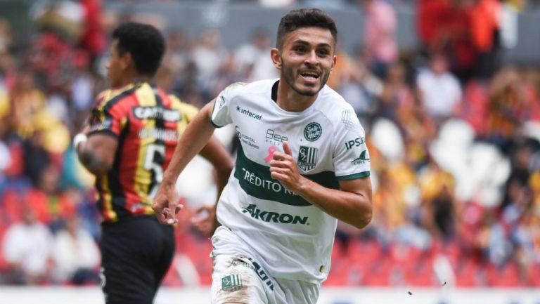 Kevin Magaña festeja su gol contra Leones Negros