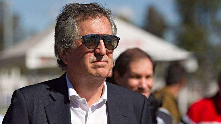 Jorge Vergara llegando a las instalaciones de Chivas