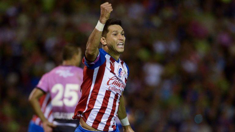Jesús Molina celebrando como jugador de Chivas