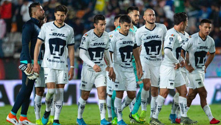 Jugadores de Pumas lamentan la derrota ante Pachuca