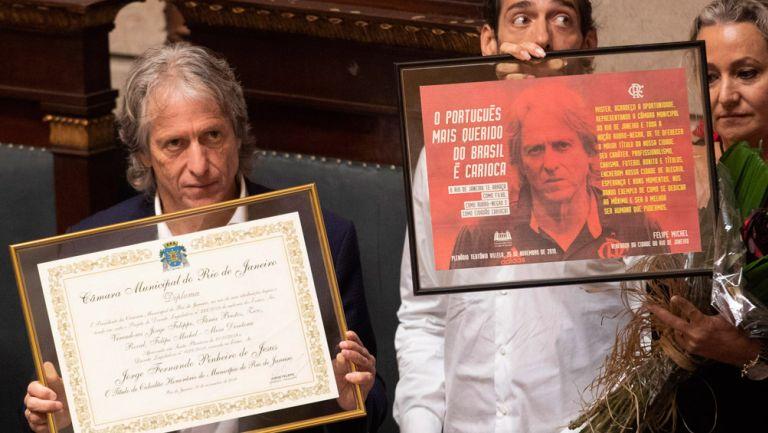 Jorge Jesus recibe su título en Río