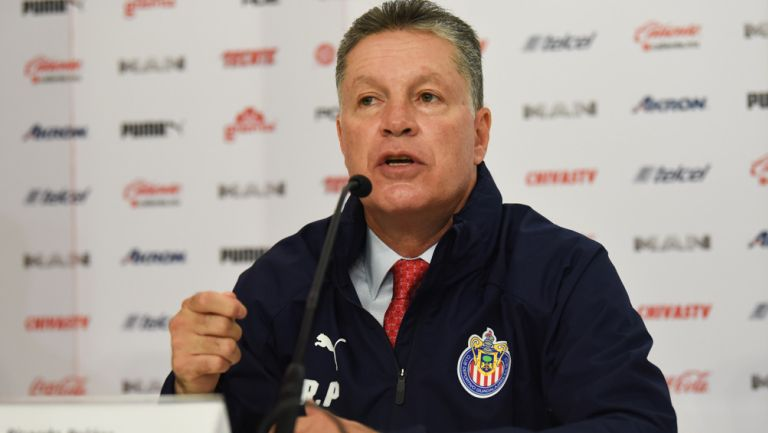 Ricardo Peláez, en conferencia de prensa con Chivas