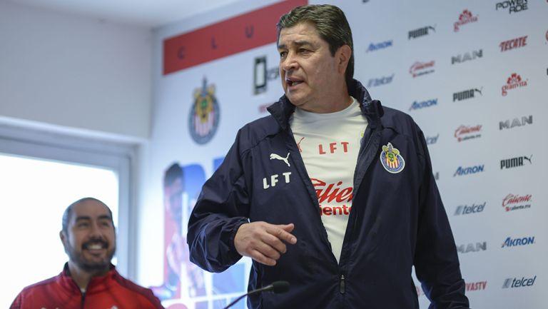 Tena será el técnico de Chivas durante el Clausura 2020