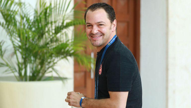 Santiago Baños sonríe durante un evento