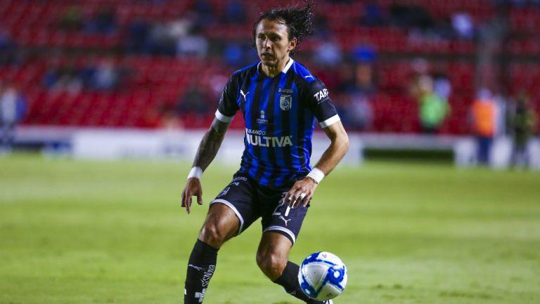 Omar Arellano durante un partido de Querétaro