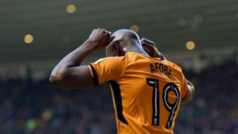 Benik Afobe, durante un juego del Wolves