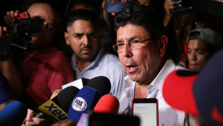 Fidel Kuri durante una conferencia prensa