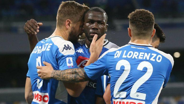 Jugadores del Napoli celebrando una anotación