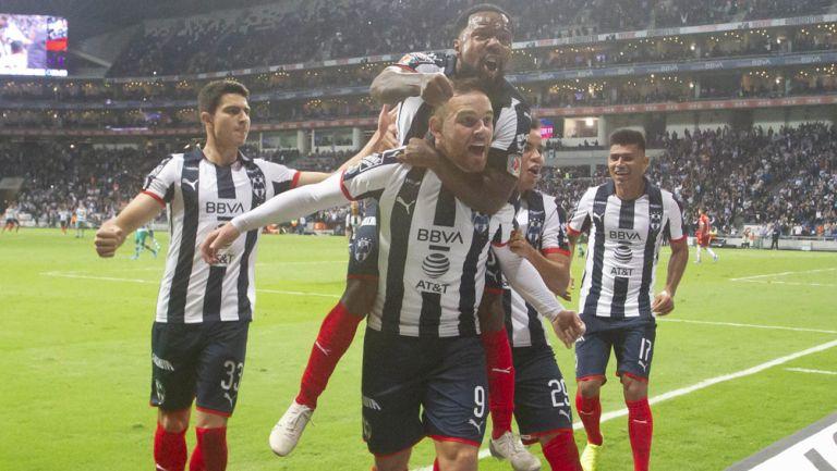 Janssen celebra una anotación en el Estadio BBVA