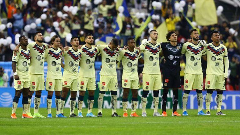 Jugadores del América en el Estadio Azteca