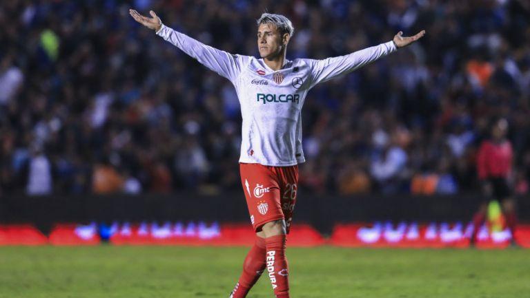 Chicote Calderón celebrando gol