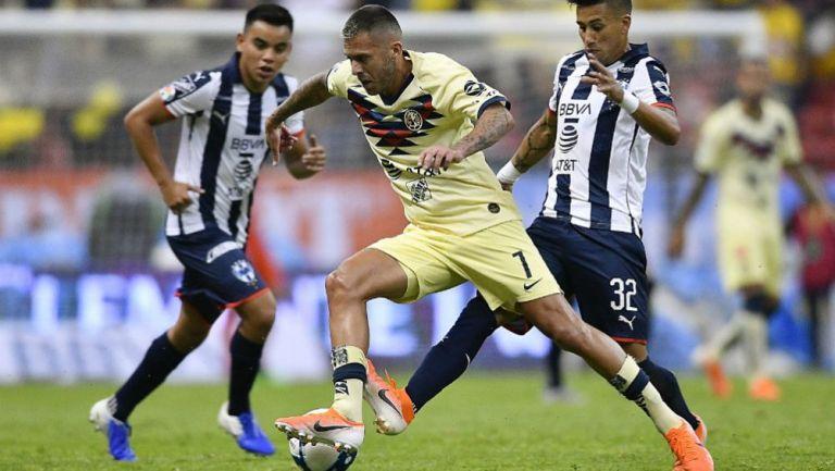América y Rayados en acción de Liga MX