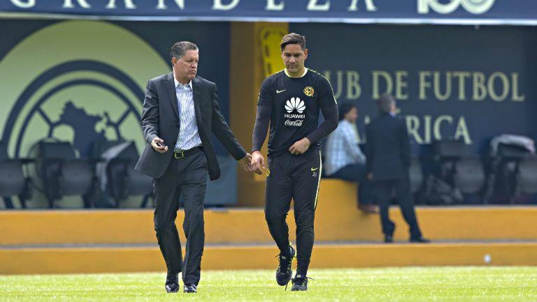 Moisés Muñoz y Ricardo Peláez, tras entrenamiento con el América