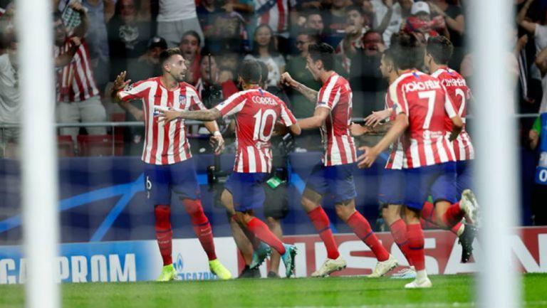 Pervis Estupiñán titular en derrota ante Atlético de Madrid