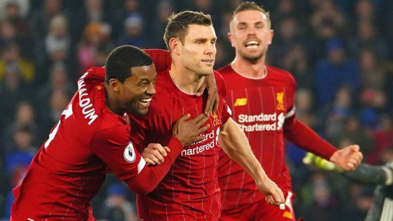 James Milner celebrando su anotación con Leicester City