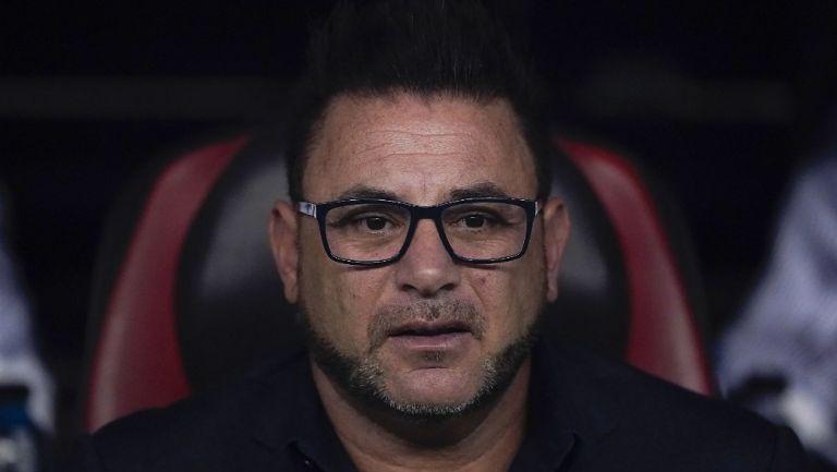 Antonio Mohamed durante el partido entre América y Rayados