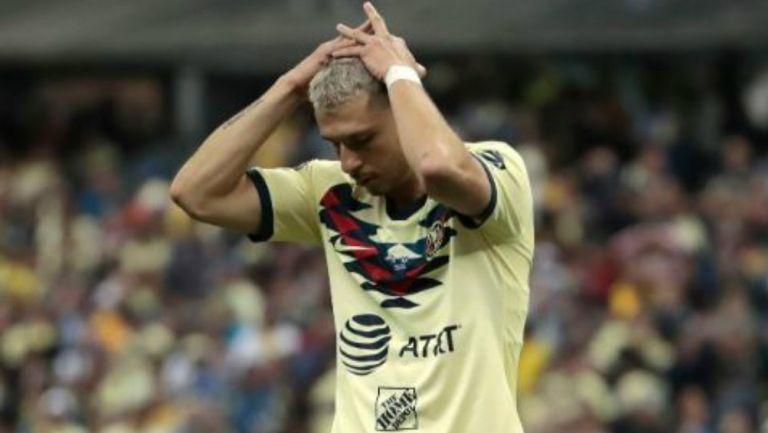 Guido Rodríguez se lamenta tras fallar el penalti