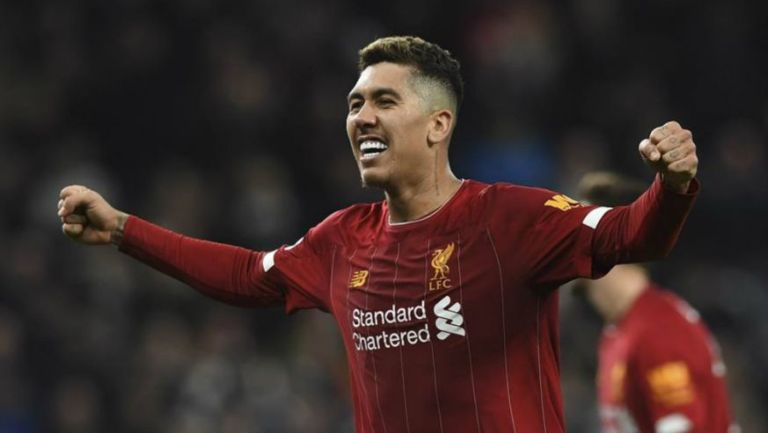 Firminho celebrando su gol