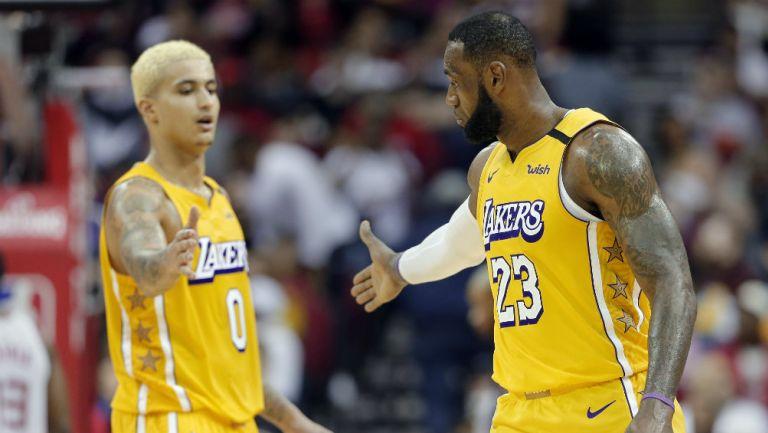 Lakers: Kyle Kuzma y LeBron James festejan una anotación