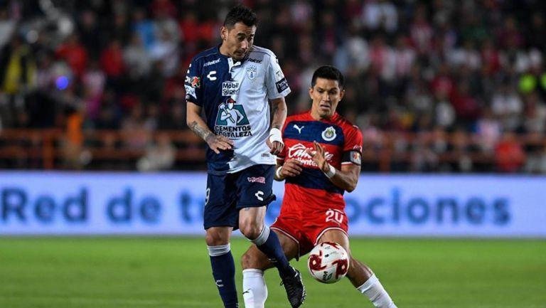 Sambueza, durante el partido ante Chivas
