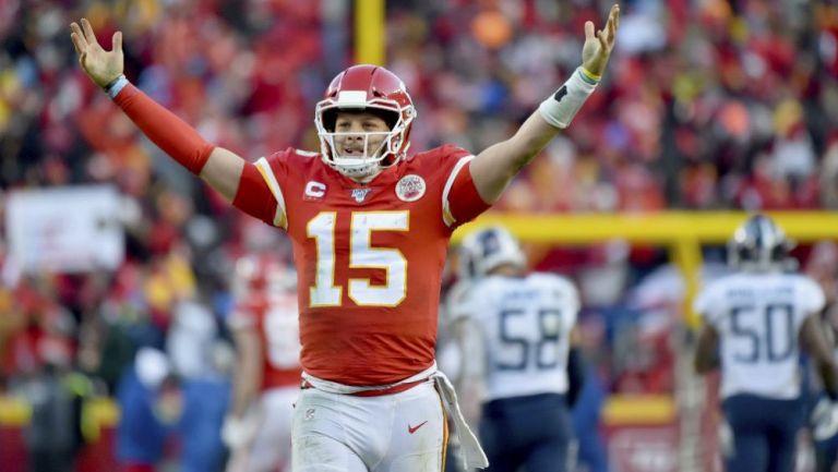 Patrick Mahomes, quarterback de Kansas City Chiefs, celebrando una anotación