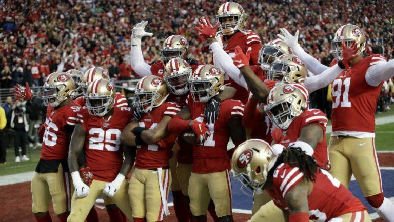 San Francisco 49ers celebrando una anotación ante Chiefs