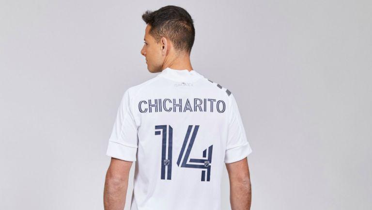 Javier Hernández portando el dorsal '14'