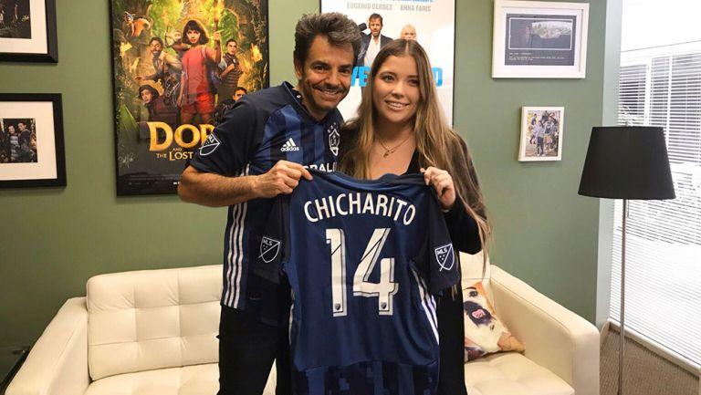Eugenio Derbez presentó a Chicharito