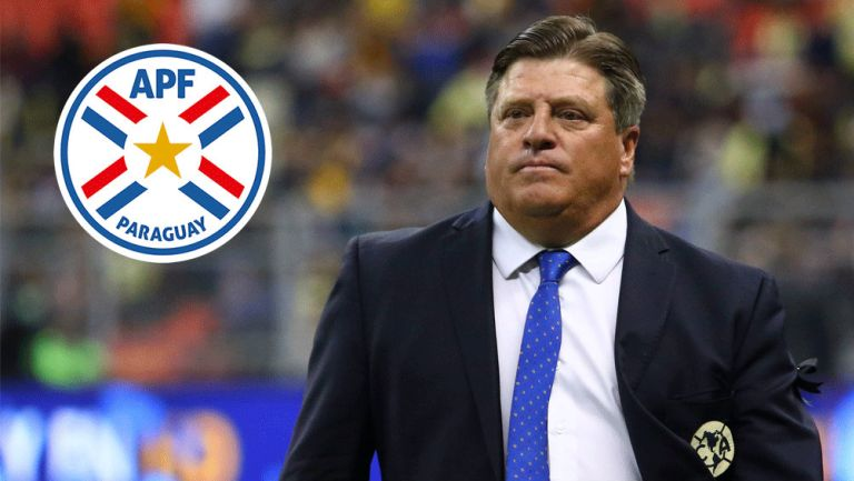 América: Piojo Herrera durante un partido del club